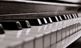 Vì sao bạn lại cần phải lên dây đàn piano cơ định kỳ